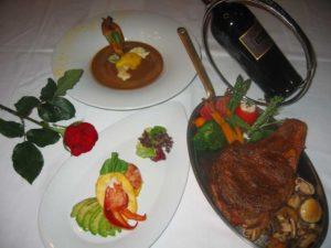hosts_dinner1